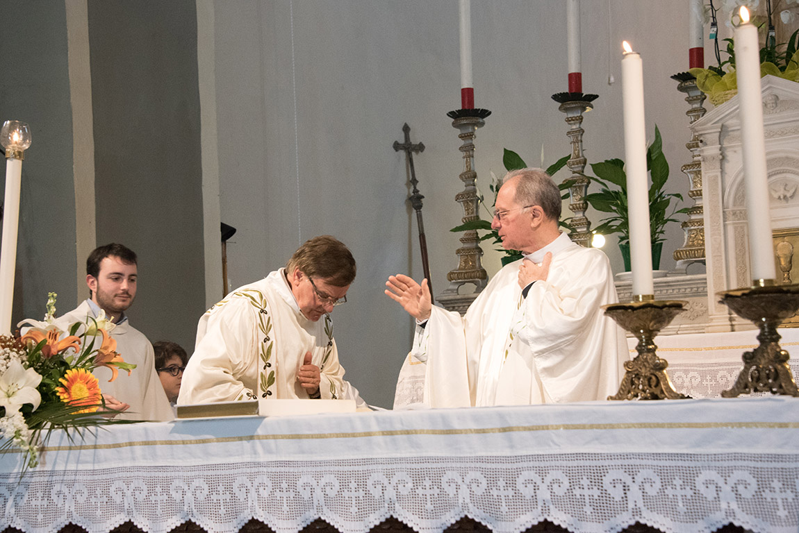 You are browsing images from the article: 50° Anniversario Sacerdozio Don Gaetano
